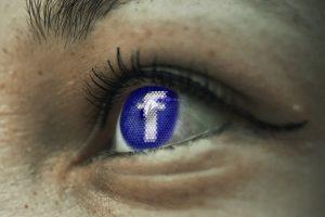 Testy porównawcze na Facebooku